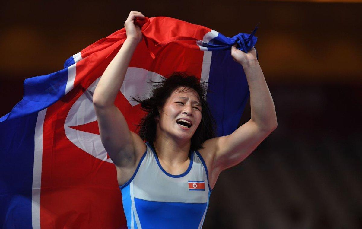 Дэлхийн аварга Пак Ён Ми